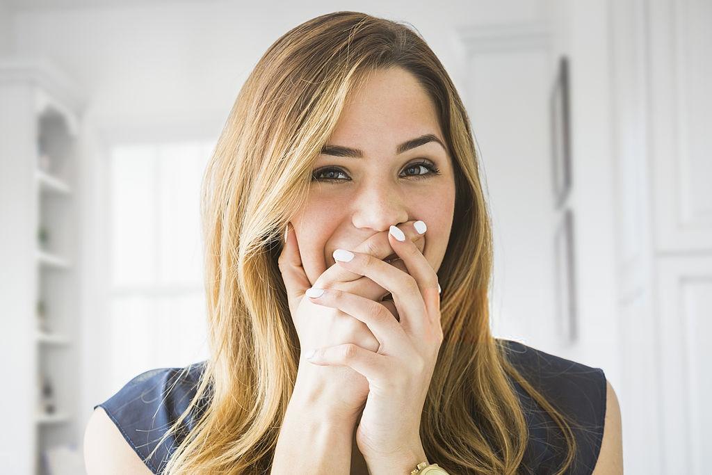 ¿Cómo puedo quitar el dolor de encías?