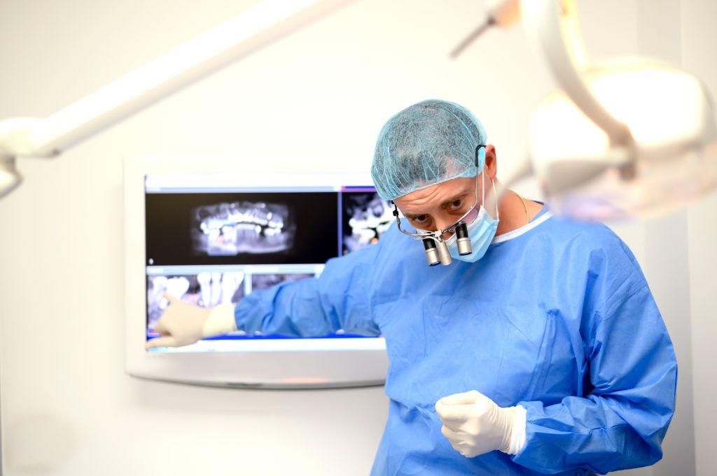 Encuentra en eden implantes inmediatos basados en la cirugía guiada