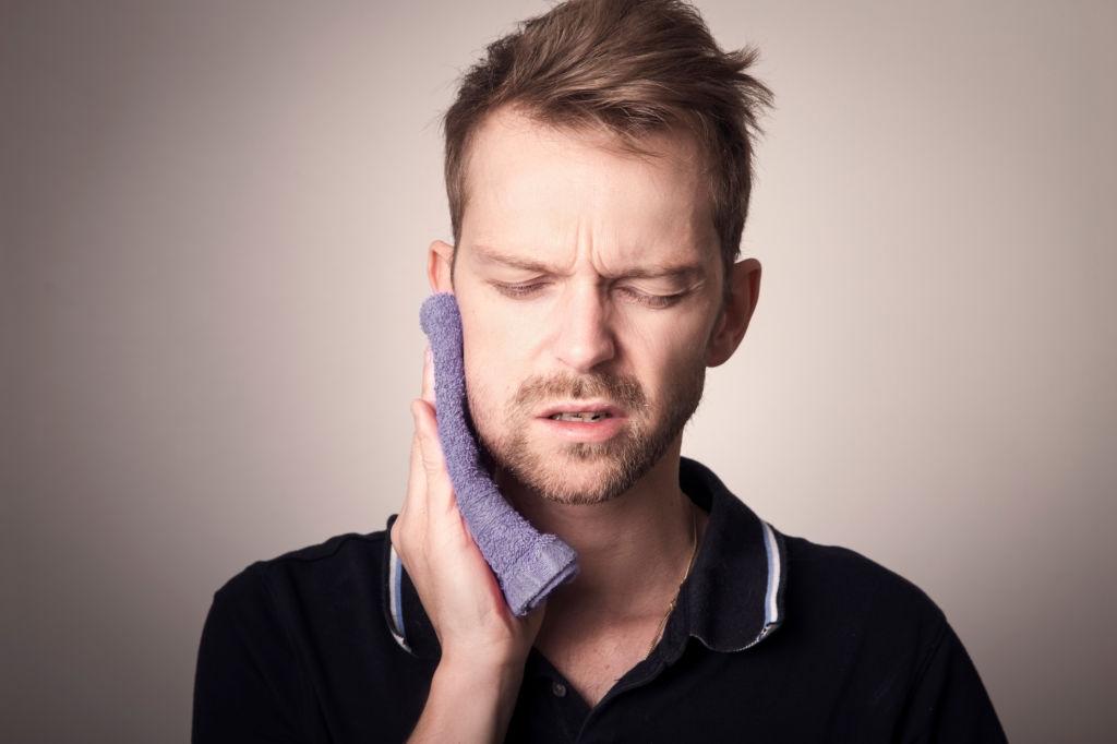 Las causas de la aparición de caries dentales