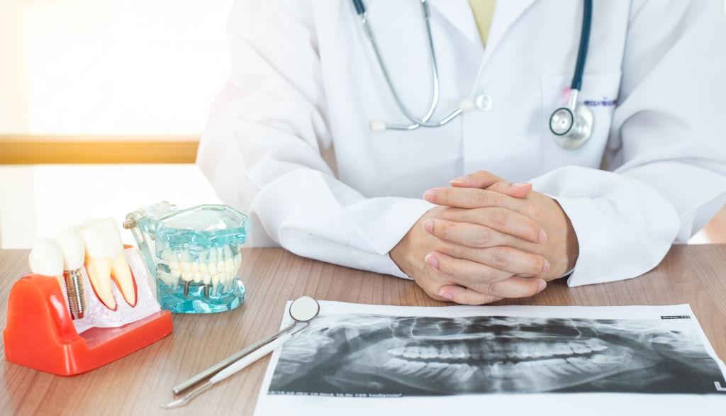 Implantes dentales vs. otros tratamientos:ventajas y desventajas